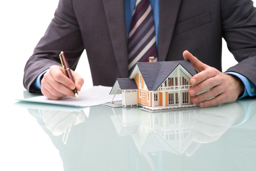 Maklergebühren, die beim Hauskauf anfallen